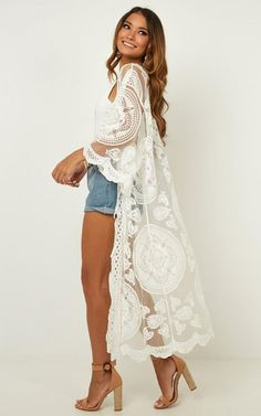 Picnic Outfits, Boho Outfits, Casual Outfits, Cute Outfits, Lace Cardigan Outfit, Long Kimono Cardigan, White Kimono Outfit, White Lace Kimono, Kimono Fashion