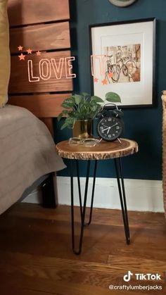 Diy Furniture Easy, Diy Furniture Projects, Furniture Makeover, Diy Furniture Videos, Painted Furniture, Diy Projects, Diy Crafts For Home Decor, Diy Room Decor, Bedroom Decor