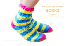 the easiest knitted socks ever diy tutorial and pattern - hand knit, but wonder if I could adapt to machine