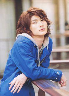 Miura Haruma nació el 5 de abril de 1990, justo al noreste de Tokio, en la Prefectura de...