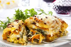 Mummies, this is for you: our healthy pumpkin and spinach lasagna recipe!