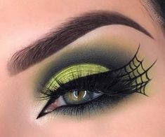 Halloween Makeup Witch, Halloween Looks, Halloween Nails, Halloween Eyeshadow, Spooky Halloween, Halloween Costumes, Spider Witch Makeup, Simple Halloween Makeup, Spider Web Makeup