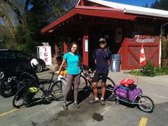 Issac our guest riding from SD to Canada met Angelina who's riding from Seattle to San Diego #bicyclewarehouse