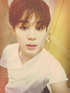 """BTS Tweet - Jimin (selca) 150530 --오늘 행사를 갔었는데 아미들이 많았다 행복했다 #JIMIN  --  [TRANS] """"We went to an event today and there were a lot of ARMYs. I was happy. #JIMIN""""    -- cr: ARMYBASESUBS @BTS_ABS"""