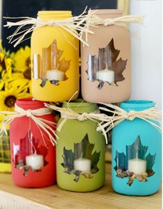 DIY fall mason jar craft as a decor idea for the kitchen, windows, exterior. Per… – Haus Dekoration Diy Pot Mason Diy, Fall Mason Jars, Mason Jar Crafts, Diy And Crafts Sewing, Diy Crafts, Christmas Crafts, Christmas Decorations, Halloween Crafts, Thanksgiving Decorations