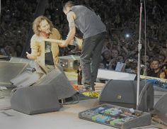 Dude, just play so I can have a quick smoke - by Pearl Jam 20th via Flickr - Photo Sharing!