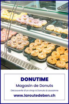 Si comme Homer Simpson vous êtes fan de donuts, cette pâtisserie ronde au sucre glace alors n'hésitez pas à franchir les portes de Donutime pour vous régaler. #lausanne #suisse #donuts #homersimpson #vaud Homer Simpson, Lausanne, Bar, Comme, Muffin, Breakfast, Food, Donut Store, Powdered Sugar