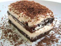Tiramisu Recipe -- My favorite dessert! Bolo Tiramisu, Tiramisu Brownies, Tiramisu Recipe, Tiramisu Dessert, Tiramisu Vegan, Homemade Tiramisu, Coffee Dessert, Coffee Cake, Italian Desserts
