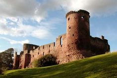 The site of Bothwell castle was originally held by the Olifards and in 1242 it passed to the Moravia family. The great tower of Bothwell Castle was first erected in the 1270s by the Moravia family (later the Moray family), who also owned duffus castle and skelbo castle, among others. Bothwell is one of the largest castles in Scotland.