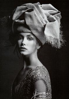 Photography by Fabrizio Ferri | For Vogue Magazine UK | April 1993  #fabrizioferri #vogue #1993