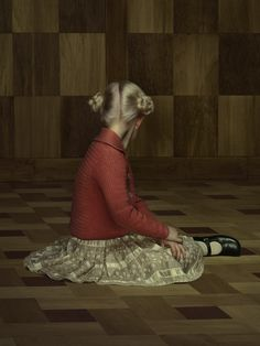 It's crazy how something so simple can be so disturbing. by Erwin Olaf