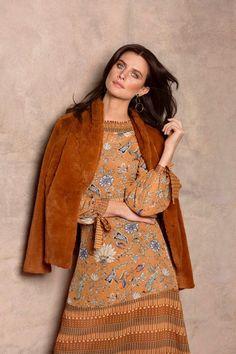 Faye Dinsmore Female Models - AR Agency#model #beauty #fashion #style #hair #hairgoals #dress #irish #pretty #beautiful #makeup Style Hair, Female Models, Hair Goals, Irish, High Neck Dress, Dresses With Sleeves, Long Sleeve, Makeup, Pretty