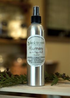 leaves your room or yoga mat smelling amazing and clean
