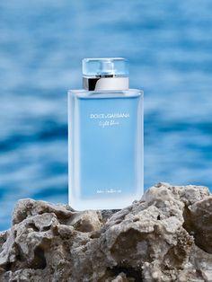 Perfume Light Blue, Light Blue Dolce Gabbana, Dolce Light Blue, Dolce And Gabbana Perfume, Dolce E Gabbana, Perfume Azul, Perfume Bottles, Parfum Blue, Justine