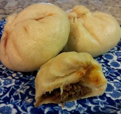 Asian Steamed Buns (rice cooker) – just like from a dim sum restaurant except you make them at home in your rice cooker! Asian Steamed Buns (rice cooker) – just like from a dim sum restaurant except you make them at home in your rice cooker! Aroma Rice Cooker, Rice Cooker Steamer, Rice Cooker Recipes, Rice Recipes, Asian Recipes, Cooking Recipes, Meal Recipes, Yummy Recipes, Chicken Recipes