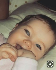 So Cute Baby, Pretty Baby, Cute Kids, Cute Babies, Baby Love, Blue Eyed Baby, Cute Baby Girl Pictures, Cutest Babies Ever, Cute Baby Wallpaper