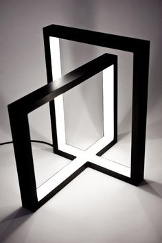 Converging Squares Black and White Lamp by Seré Dondossola