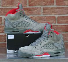 Nike Air Jordan 5 Retro Camo Dark Stucco University Red 136027-051 Men's  Size 12