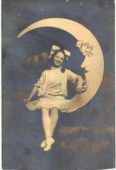 big smile, big bow by kathleenie, via Flickr