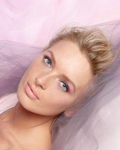 Laura Mercier Arabesque. Soft. Sweet. Serene. - Neiman Marcus