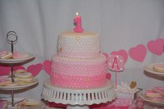 Sweetheart Cake by Artful Revelry (Photo by Event Photography by Ross)