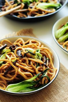 These pan-fried Shanghai noodles are perfect when all you want is to slurp some noodles. Theyre vegan and require only 6 ingredients & 20 mins. Healthy Vegan Snacks, Healthy Meals For Two, Vegetarian Recipes Easy, Healthy Crockpot Recipes, Vegetable Recipes, Asian Recipes, Healthy Eating, Ethnic Recipes, Healthy Muffins