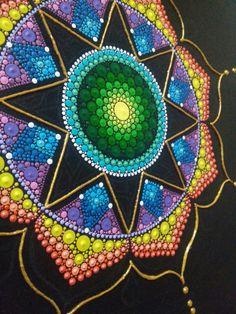 Mandala en proceso ... #Mandalas #artedecorativo #puntillismo