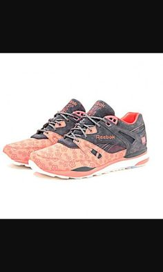 59973fd84ed Sneakers – Women s Fashion   Major x Reebok Ventilator