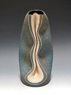 Gustavo-Perez-contemporary-vase