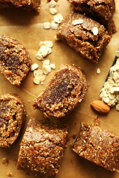 No bake 8 ingredient AMAZING Easy, Healthy Fig Newtons made with dates, nuts, oats and figs! SO easy and DELICIOUS! from minimalist baker Baker Recipes, Vegan Recipes, Dessert Recipes, Cooking Recipes, Fig Recipes Healthy, Fig Newtons, Vegan Snacks, Healthy Desserts, Kids Meals