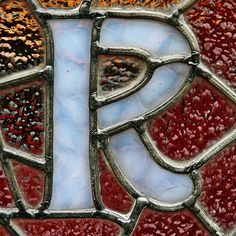 stained glass B - very nice Stained Glass Designs, Stained Glass Projects, Stained Glass Patterns, Stained Glass Art, Mosaic Glass, Fused Glass, Monogram Letters, Letters And Numbers, Alphabet Photography