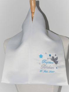 écharpe étole de baptême ange et étoiles personnalisée brodée pour garçon ou fille