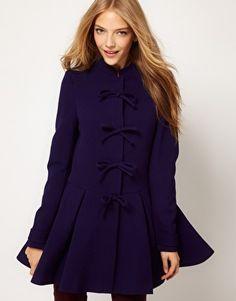 Manteau avec nœuds sur le devant