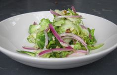 Sounds delicious, especially in the warmer months. Brussel Sprout Salad, Brussels Sprouts, Guacamole, Cabbage, Salads, Apple, Vegan, Vegetables, Cooking
