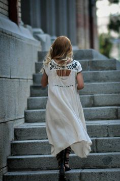 high low dress. #streetstyle #SimonaMar