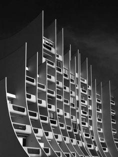 L'immeuble en vague oftewel het Golfgebouw uit 1979 van Pierre Doucet in de Franse badplaats La Baule.