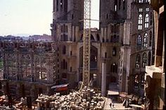 Sagrada Família - Construction in the spring of 1988.                         Wikipedia, the free encyclopedia