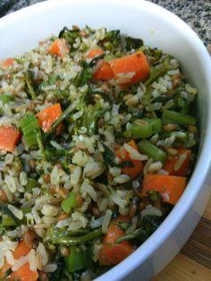 Arroz sete grãos, cenoura e brócolis