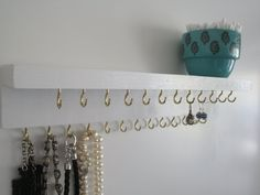 how to make a jewelry holder for the wall