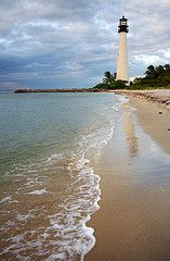 Lighthouse on the beach at Bill Baggs Cape Florida State Park, Key Biscayne Dream Vacations, Vacation Spots, Cape Florida Lighthouse, Lighthouse Art, Places To Travel, Places To See, Grands Lacs, Lighthouse Pictures, Florida Beaches