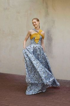 Carolina Herrera Resort 2018 Collection Photos - Vogue