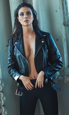 Morena Baccarin poses in Acne Studios leather jacket and The Row pants for GQ Magazine Mexico December 2016 issue Morena Baccarin Deadpool, Morena Baccarin Gotham, Beautiful Celebrities, Beautiful Actresses, Beautiful People, Beautiful Women, Hot Brunette, Bikini Pictures, Hollywood Celebrities