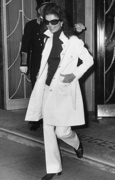 f424f50d12cf 49 bästa bilderna på Jacqueline Bouvier Kennedy Onassis under 2016 ...