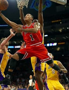 033e9af584be derrick rose going for a reverse layup Chicago Bulls Basketball