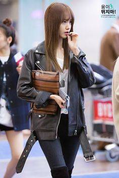 Yoona's airpot fashion so cute and pretty!!!!!