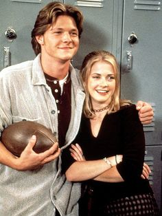 17 'Sabrina, The Teenage Witch' Outfits That Are So Unforgettable & Completely '90s