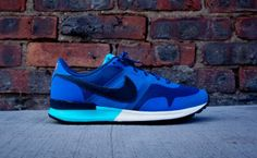 Nike Air Pegasus Brave Blue/Dark Obsidian: Brave blue is the latest colorway to hit the Nike Air Pegasus silhouette. The shoe features a Nike Air Pegasus, Men S Shoes, Running Shoes For Men, Puma Running, Sneakers Fashion, Sneakers Nike, Discount Sneakers, Streetwear, Adidas Shoes Outlet