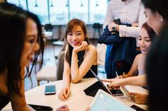 How to Be Popular in School: 15 Easy Steps to Be Cool Interview Skills, Team Building Activities, Shooting Photo, Online College, Online Jobs, Work Life Balance, E Commerce, Student Loans, Ghostwriter