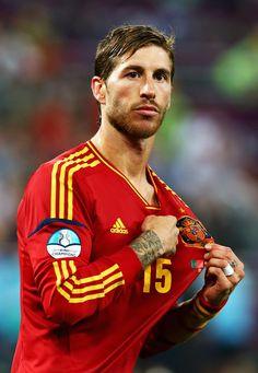 Foto de Sergio Ramos durante el partido de semifinales de la Eurocopa 2012 entre Portugal y España.