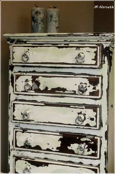 Painted with The Old Fashioned Milk Paint <3 By Fru Pigalopps Verksted https://www.facebook.com/frupigaloppsverksted